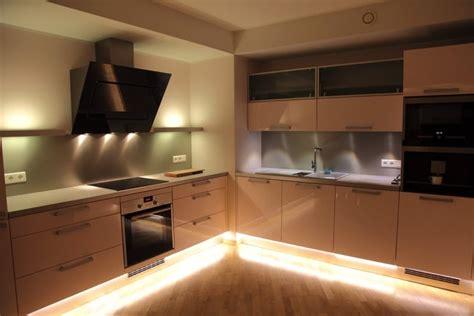 eclairage led cuisine plan travail eclairage cuisine spot rglette led 30cm haute luminosit