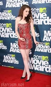 PHOTOS Kristen Stewart in a safety pin dress at 2011 MTV ...
