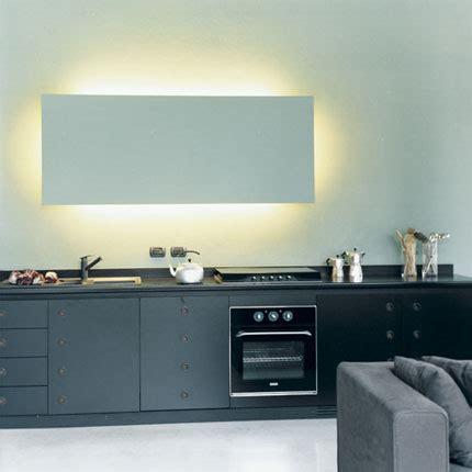 lumi鑽e cuisine plan de travail à milan un loft sculpté par la lumière