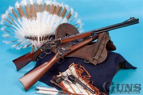 17 b 228 sta bilder om guns of the west magazine p 229 cowboys vapen och revolvrar