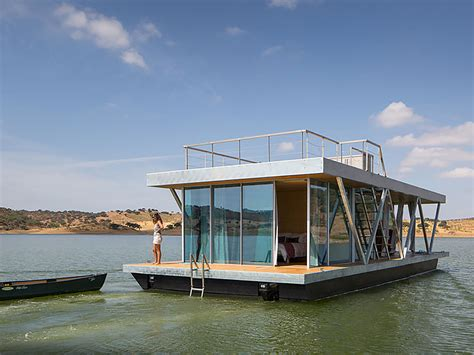 This square houseboat is a modern oasis on the water | 15 ...