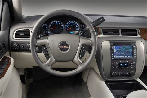 gmc sierra  review specs pictures price mpg
