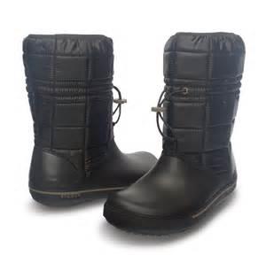 womens size 9 boots uk womens crocs crocband ii 5 warm lined winter fashion boots size 3 9 uk