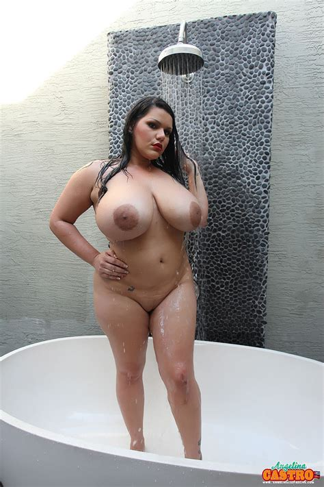 Angelina Castro And Bbw Hotties In The Tub Pichunter