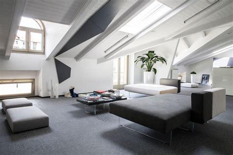 latest comeback   mansard roof   unusual