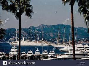 Azur Luxury Motors : ships at anchor stock photos ships at anchor stock images alamy ~ Medecine-chirurgie-esthetiques.com Avis de Voitures