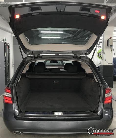 Die kofferraumwanne ist ein schalenförmiger schutz für ihren kofferraum. Schutzausstattungen für den Innenraum und Kofferraum