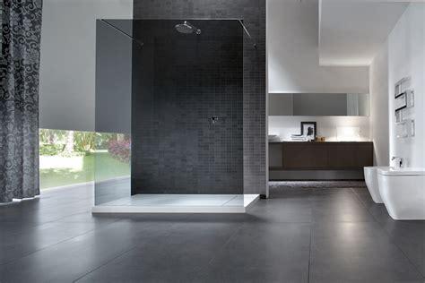 box doccia a parete come arredare il bagno con il nero ideagroup