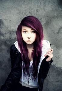 40 Cute Emo Hairstyles for Teens (Boys and Girls) - Buzz 2018