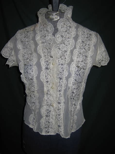 looking blouse vintage wardrobe must haves the white blouse