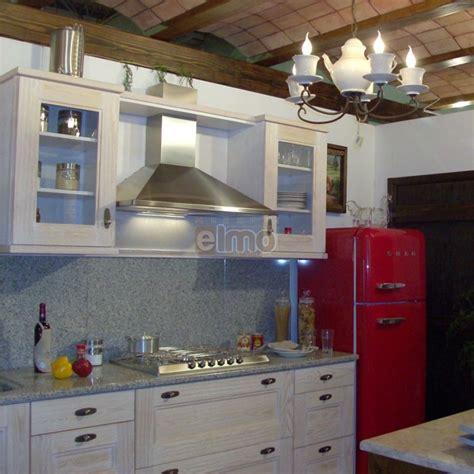 hote pour cuisine cuisine aménagée chêne blanchi plan de travail granit cantina