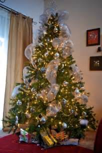 trees decorated with mesh ribbon designcorner