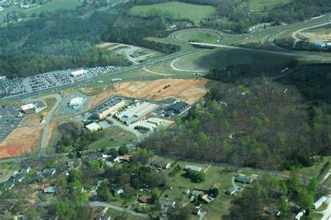 foto de Easley SC : Ariel view of the new Southern Center at Hwy