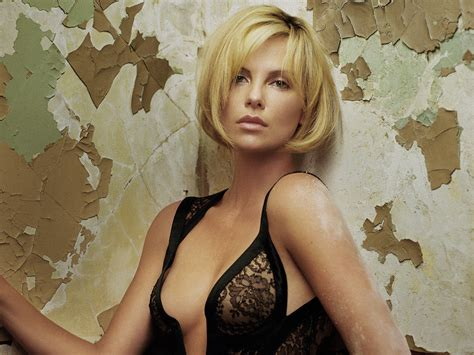 Fix Up Facts Charlize Theron Have Plastic Surgery