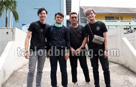 For your search query adam musik izinkan aku menghalalkanmu mp3 we have found 1000000 songs matching your query but showing only top 10 now we recommend you to download first result adam izinkan aku menghalalkanmu mp3. Grup Musik ADAM Bawakan Lagu Halalkanmu dengan Aransemen Baru - Tabloidbintang.com