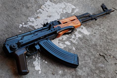 Woman Arrested For Possessing An Ak-47 In Matola