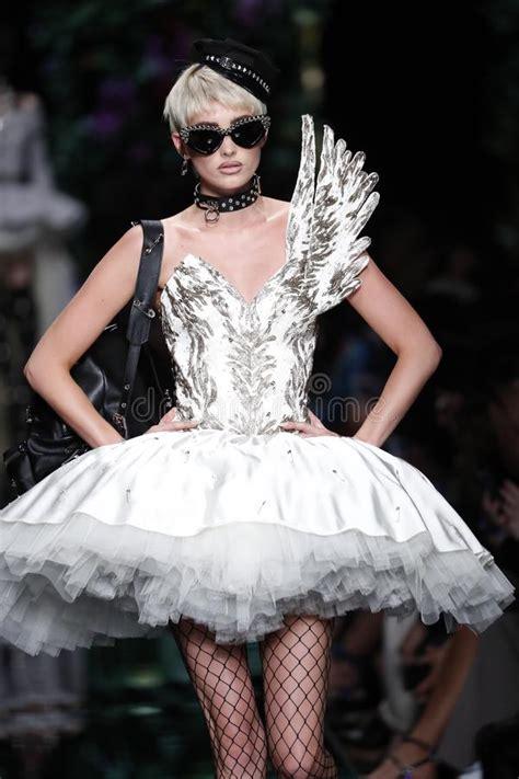 Runway Fashion Prefer Wolford Prefer Wikifeet Prefer Pantyhose Prefer Thinspo Prefer Elsa Hosk Pin By 𝙻𝚞𝚌𝚢ðš'𝚗𝚝ðš'𝚎𝚜ðš