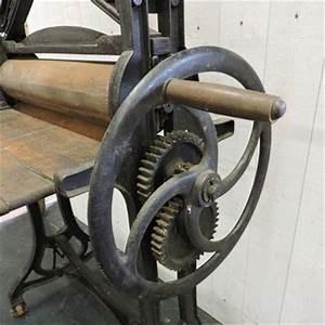 Presse à Repasser : nos meubles antiquit s brocante vendus ~ Premium-room.com Idées de Décoration