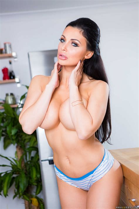 Gorgeous Brunette Is Posing Without Bra Photos Aletta