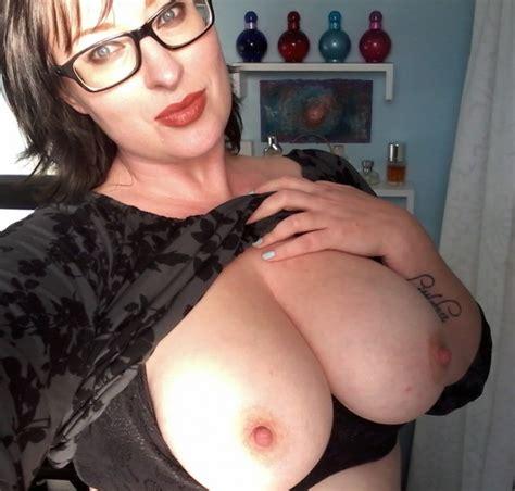 Huge Amateur Saggy Tits