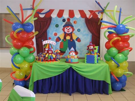 Circus Balloon Decoration