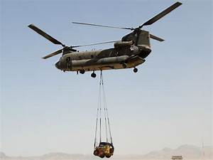 File:An Australian army CH-47 Chinook Helicopter lifts a ...