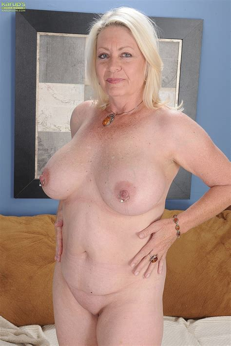 Blonde Milf Angelique Tease And Undress Moms Archive