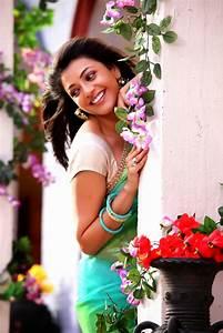 Kajal Agarwal glam pics from Jilla movie photo 10 | telugu ...