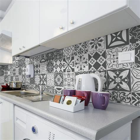 30 stickers carreaux de ciment nuances de gris varsovie salle de bain et wc salle de bain