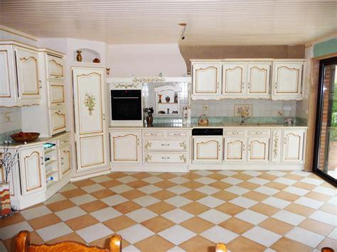 plan de travail de cuisine sur mesure cuisine provençale en chêne cuisines liebart