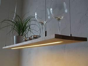 Lampe Mit Holzbalken : h ngelampen h ngelampe buche regallampe h ngeregal led leuchte ein designerst ck von peka ~ Bigdaddyawards.com Haus und Dekorationen