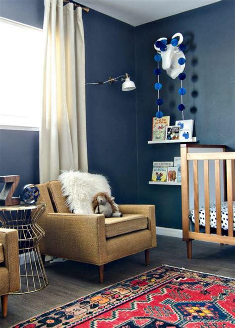 rideaux pour chambre gar輟n 1001 idées pour une chambre bébé en bleu canard des solutions déco astucieuses