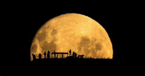 Howto Photograph The Moon  Popular Photography