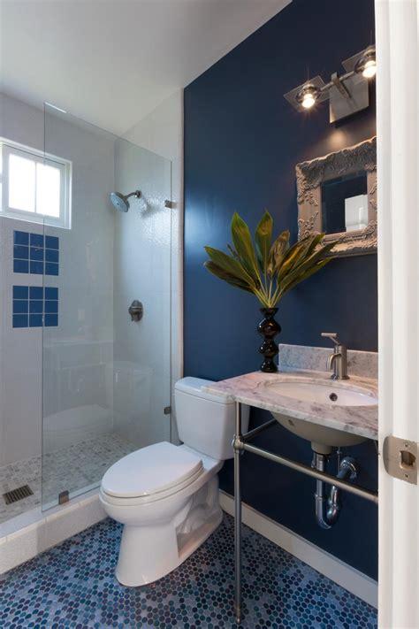 navy blue bathroom  mosaic tile floor  shades