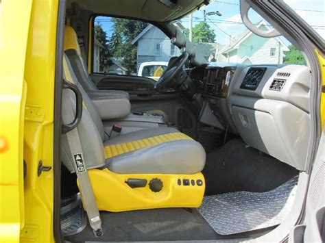 ford   xlt custom crew cab  factory pickup bed