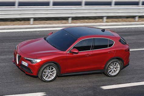 Alfa Romeo Stelvio Specs & Photos