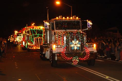 deck  rigs light adorned tractor trailers  lead