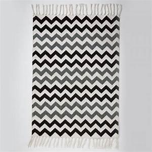 tapis coton chevrons bleu noir gris 101x64 sass and belle With tapis chevron gris