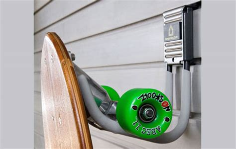Diy Skateboard Deck Wall Mount by Vertical Skateboard Wall Mount Diy
