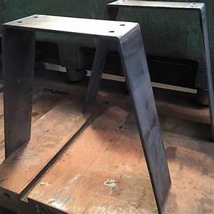 Pied De Table Basse Metal : 92 best images about pieds de table en acier brut on pinterest ~ Teatrodelosmanantiales.com Idées de Décoration