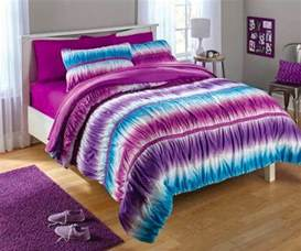 gorgeous tie dye comforters and bedding sets for a colorful bedroom