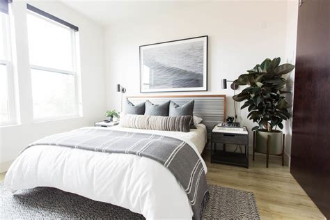 elegant modern bedroom interiors      leave