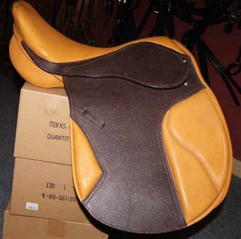 Sattel Für Kurzes Breites Pferd
