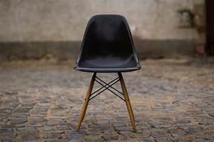 Vitra Eames Stuhl : stuhl charles eames v herman miller vitra dsw design ikonen ~ A.2002-acura-tl-radio.info Haus und Dekorationen