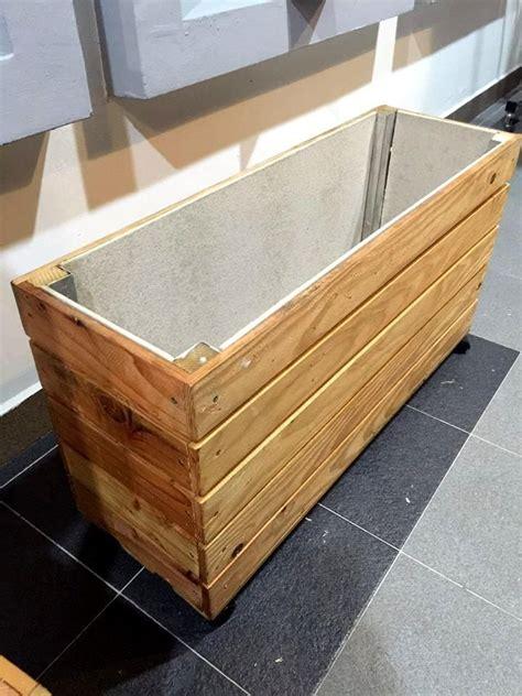 upcycled wood pallet planter box pallet planter diy