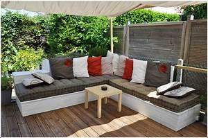 fabriquer son salon de jardin en palette inspirations avec With tapis berbere avec canapé en palette exterieur