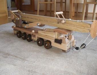 spielzeug selber bauen holz auto nach wunsch holzspielzeug bauanleitung holzspielzeug und spielzeug bauen