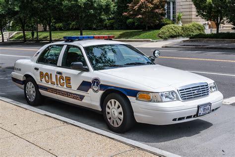 Fileus Capitol Police Cruiser  Ee  Ford Ee   Crown Vic Fr Jpg