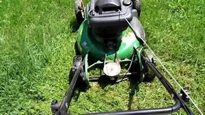 John Deere Js61 Lawn Mowing