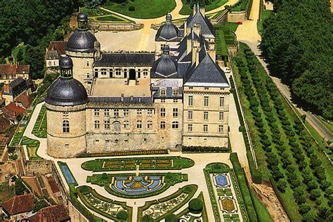 bureau vall perigueux chateau de hautefort in the dordogne travel guide